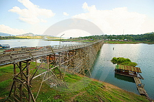 Saphan Mon Wooden Bridge Royalty Free Stock Image - Image: 14315206