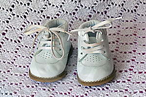 White Leather Baby Shoes Royalty Free Stock Images - Image: 14328099
