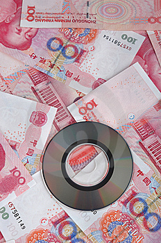 Geldanmerkung Und Digitalschallplatte Lizenzfreie Stockfotografie - Bild: 14342577