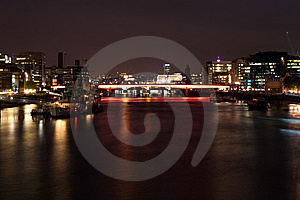 Night View Of The London Bridge And The Thames Royalty Free Stock Image - Image: 14356796
