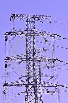 Trabajadores De Postes De Alto Voltaje Imagenes de archivo - Imagen: 14371224
