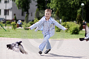 Boy Fly Like Dove Royalty Free Stock Images - Image: 14373769