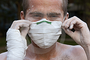 Worker In Protective Mask Royalty Free Stock Image - Image: 14404156