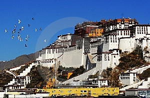 Potala Palace Royalty Free Stock Photo - Image: 14434705