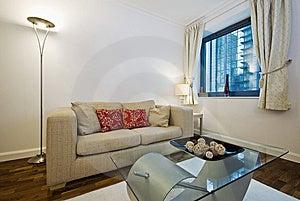 Moderne woonkamer met beige bank royalty vrije stock afbeelding afbeelding 14466896 - Designer koffietafel verkoop ...
