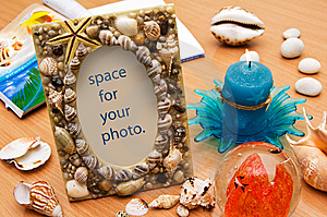 Seashell Frame. Vacation Memories. Royalty Free Stock Photography - Image: 14490637