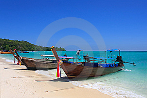 Longtail Boat Stock Photo - Image: 14494350
