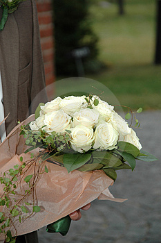 the meaning of white roses