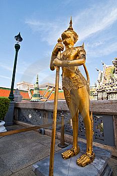 Golden Legend Monster, Thailand's Grand Palace Royalty Free Stock Images - Image: 14546919