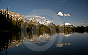 Mountain Reflection Stock Images - Image: 14590904