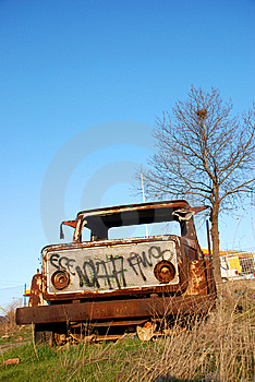 Abandoned Truck Royalty Free Stock Photos - Image: 14628298