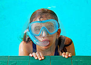 Beautiful Girl In A Pool With A Swimming Mask Royalty Free Stock Image - Image: 14642656