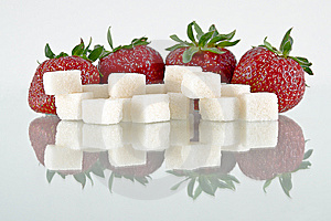 Strawberries And Sugar Stock Photos - Image: 14647063