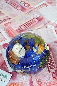 Globe And Money Notes Royalty Free Stock Photo - Image: 14678775