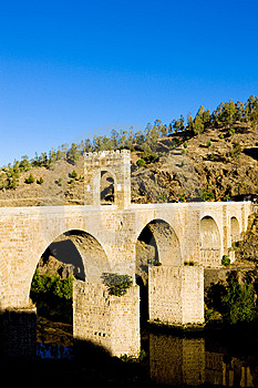 Roman Bridge In Alcantara Royalty Free Stock Photo - Image: 14687345