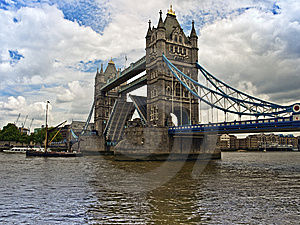 Tower Bridge London And River Thames Royalty Free Stock Photography - Image: 14757557