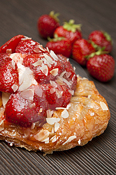 Fresh Strawberry Tartlet Cake Royalty Free Stock Image - Image: 14805546