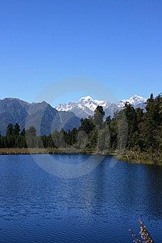 Lake Matheson / Mount Cook Royalty Free Stock Images - Image: 14847609