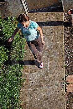 Hopscotch παίζοντας Στοκ Εικόνες - εικόνα: 14871594