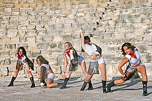 Modern Dancers Royalty Free Stock Photo - Image: 14875405