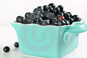 Fresh Picked Blueberries Royalty Free Stock Images - Image: 14935209