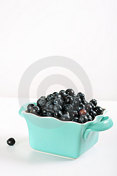 Fresh Blueberries In Blue Bowl Vertical Stock Images - Image: 14935214