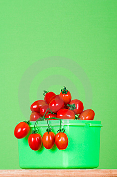 Container With Fresh Tomatoes Royalty Free Stock Photos - Image: 14950288