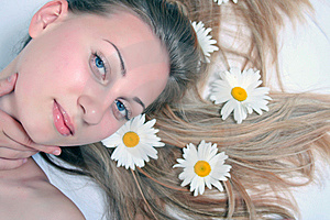 Beautiful Woman With Chamomile Stock Images - Image: 14960394
