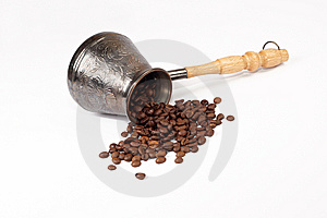 Coffee Pot Ground Coffee Grains Royalty Free Stock Photos - Image: 14976318