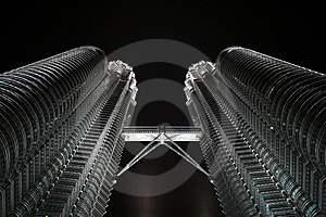 Petronas Towers In Nighttime Stock Image - Image: 14993851
