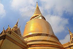 Thai Pagoda Royalty Free Stock Image - Image: 15002916