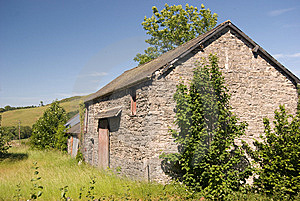 Stone Barn Stock Photo - Image: 15005750