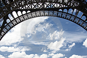 Eiffel Tower And Blue Sky Royalty Free Stock Images - Image: 15006769
