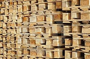 Pallet Di Legno Fotografie Stock Libere da Diritti - Immagine: 15011608