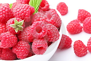 Crockery With  Beautiful Tempting Raspberries. Royalty Free Stock Images - Image: 15016989