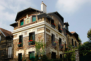 House In Montmartre Royalty Free Stock Photo - Image: 15085885