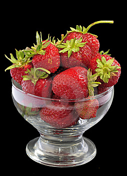 Juicy Strawberry Glass Bowl Stock Images - Image: 15132524