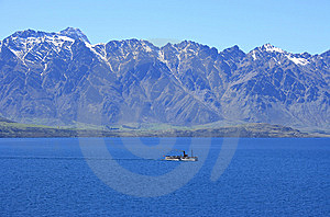 Lake Wakatipu Steamship Royalty Free Stock Photo - Image: 15179325