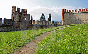 Castle Wall And Battlements Stock Photo - Image: 15184610
