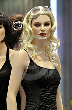 Female Mannequin In Fashion Show Royalty Free Stock Photography - Image: 15218057