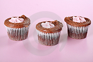Raspberry Cupcakes On Pink Stock Images - Image: 15225954