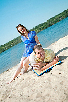 Beautiful Married Couple On The Beach Royalty Free Stock Images - Image: 15300809
