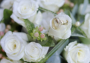 Bouquet And Rings Royalty Free Stock Photo - Image: 15350705