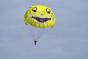 Parasailing Stock Photo - Image: 15361140