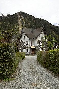 Beautiful Cottage Royalty Free Stock Photos - Image: 15365458
