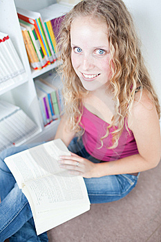 Female College Student In A Library Royalty Free Stock Photos - Image: 15423258