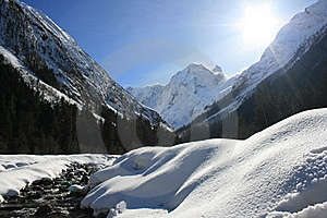 Mountain River In Winter Stock Photos - Image: 15424873