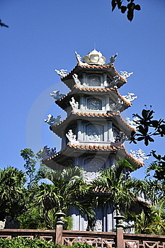 Marble Mountains Pagoda Royalty Free Stock Image - Image: 15559736