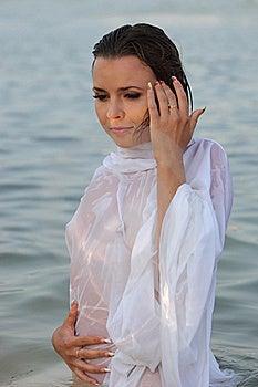 Mulheres Em Topless Bonitas Imagens de Stock Royalty Free - Imagem: 15560119