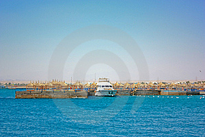 Rest At The Sea Royalty Free Stock Images - Image: 15569599